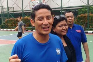 Lari Pagi, Sandiaga Disambut Pendukung Jokowi di Bojonegoro