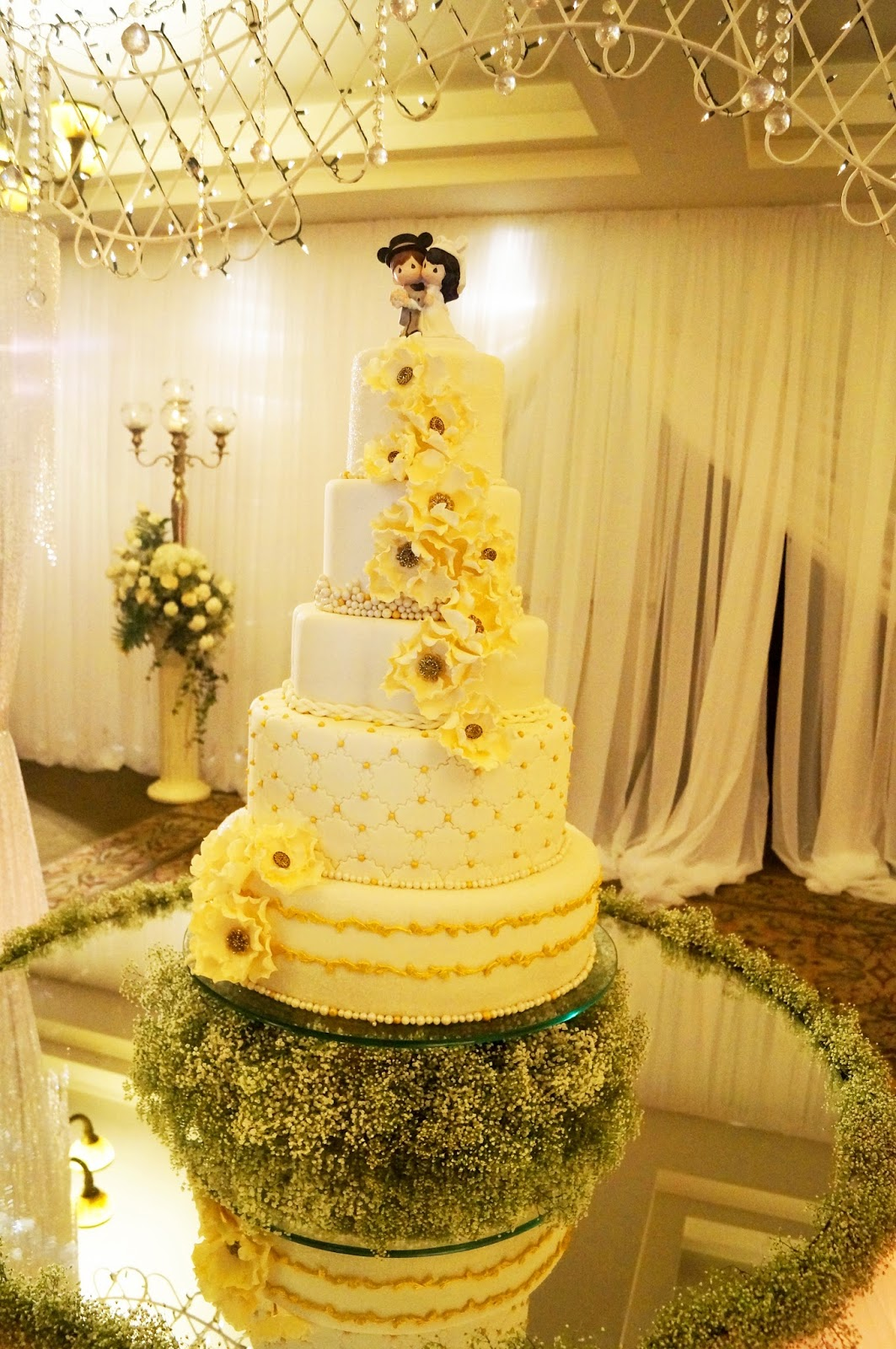 Glamorous Wedding Cake with Disney Cake Topper