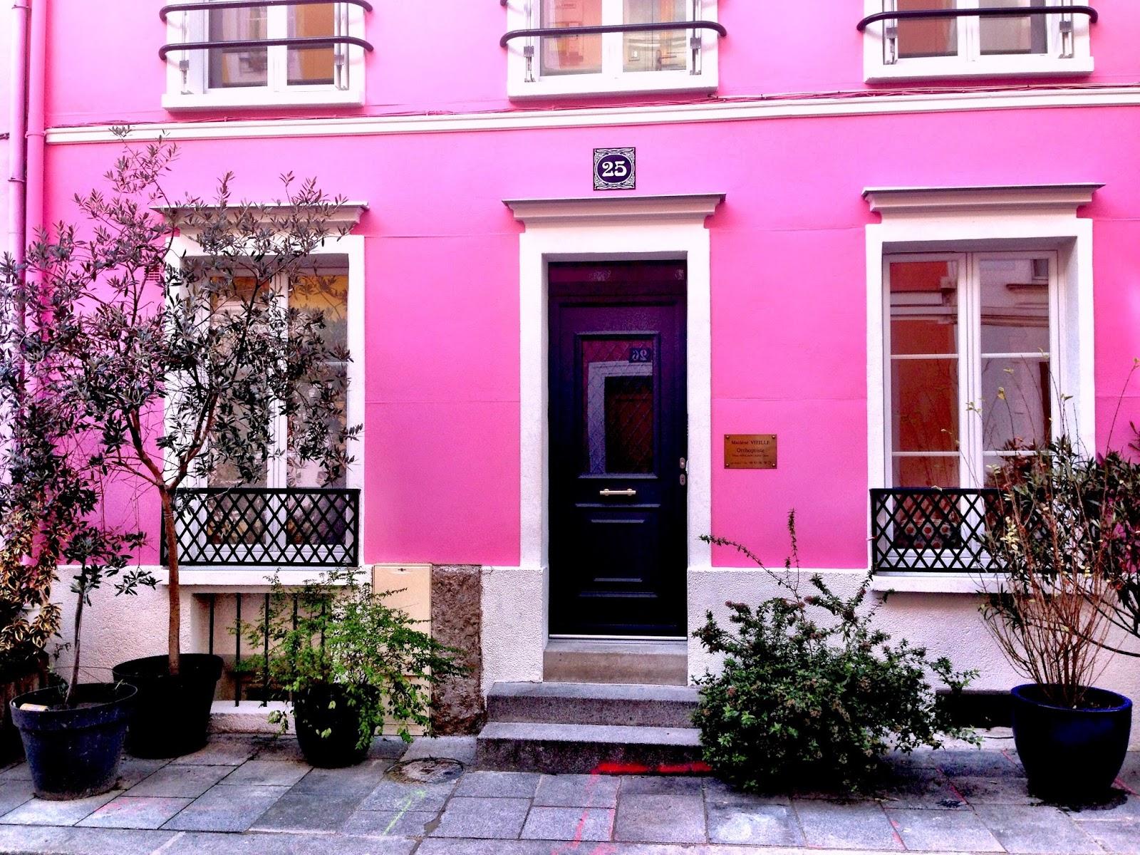 Focus On Paris: Street of color