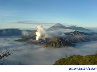 Apakah Gunung Bromo Barada di Jawa Barat - Atau Jawa Timur