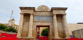 Puerta del Puente Romano de Córdoba.