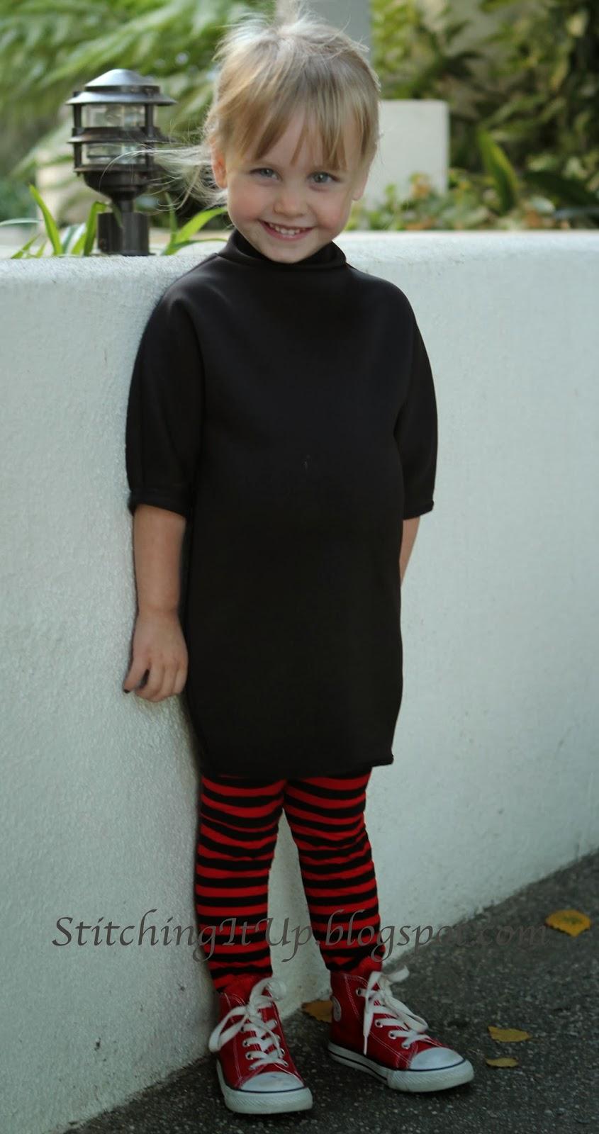 I made the matching Martha Dracula costume for myself to do the mom and me set.  sc 1 st  Stitching It Up & Stitching It Up: Mavis Dracula DIY Costume Hotel Transylvania
