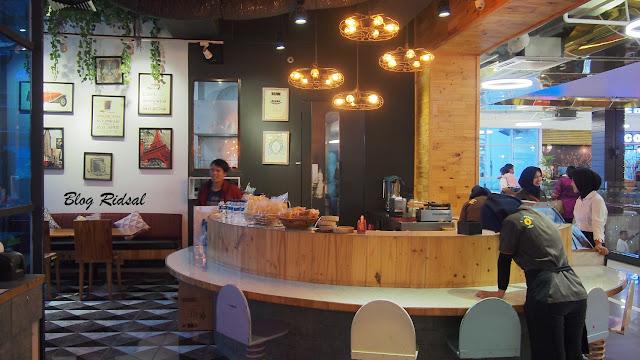 Go Pogo Ringroad City Walks - Lokasinya Dekat Bioskop - Indoor 01