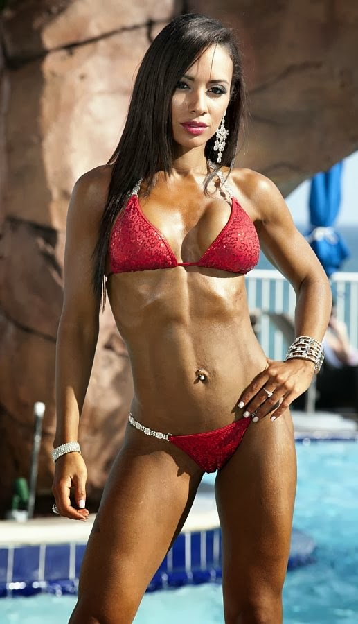 Yeshaira Robles - Female Fitness