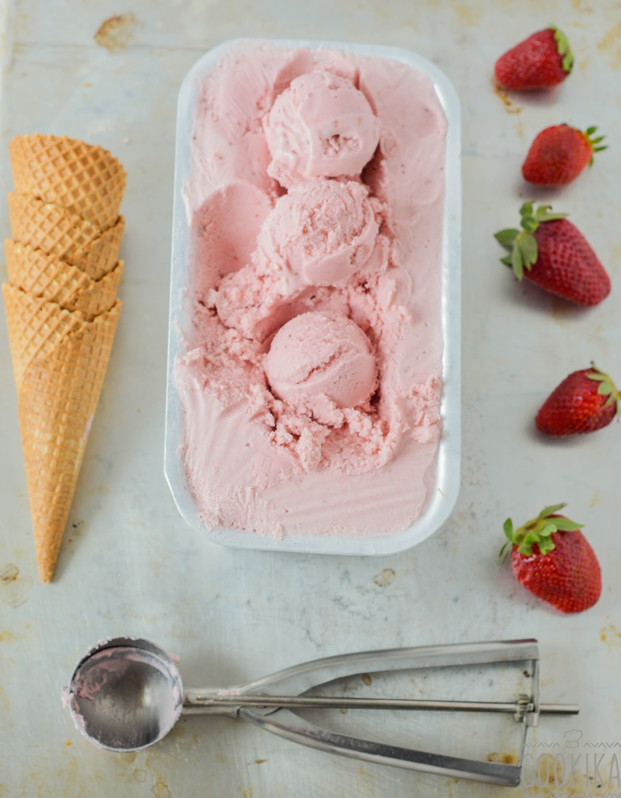 Roasted Strawberries Ice Cream