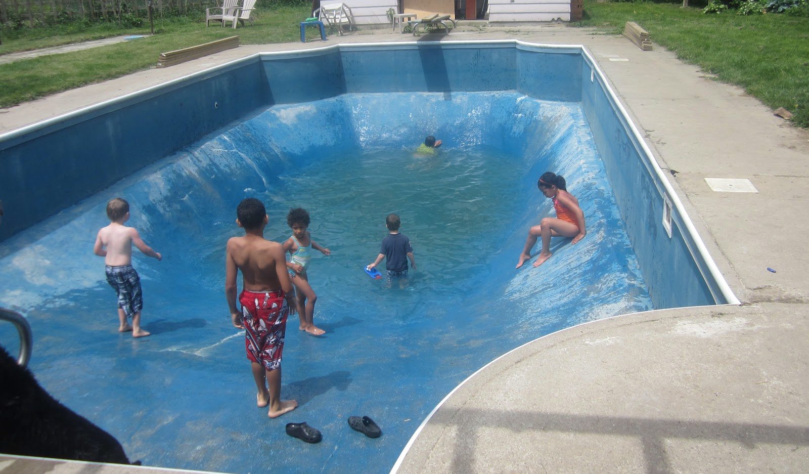 Very deep swimming pools pictures - How deep is the average swimming pool ...
