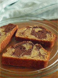 Banana Bread Recipe @ http://treatntrick.blogspot.com