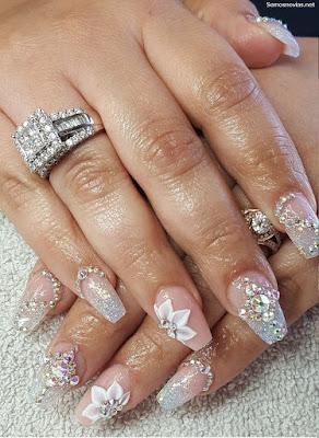 Uñas de novia con flores