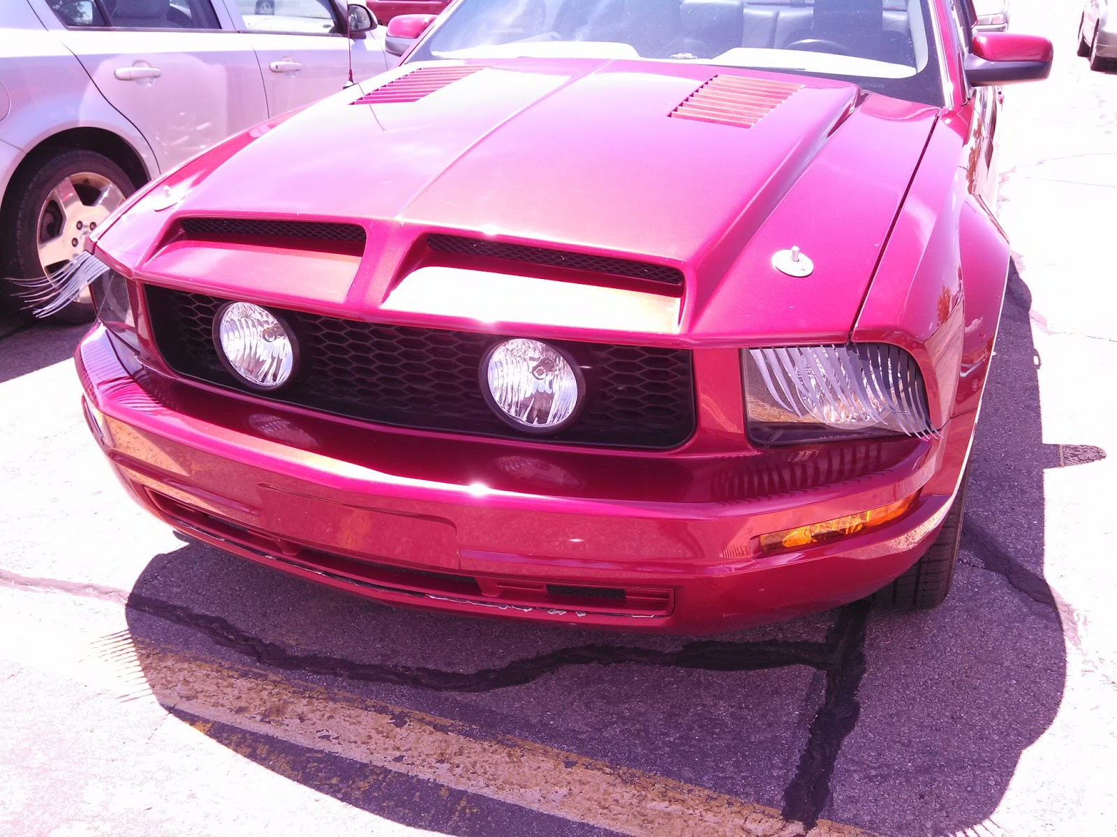 Completely Indie: Cars With Eyelashes