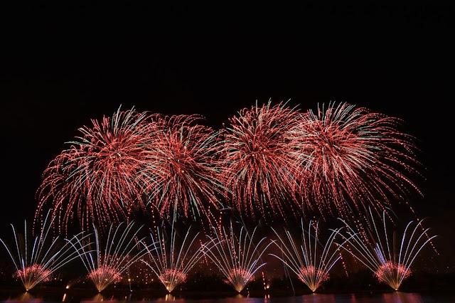 Παγκόσμια διάκριση για την Ελλάδα: Εκθαμβωτικό σόου με πυροτεχνήματα υπό τους ήχους του Ζορβά (βίντεο)
