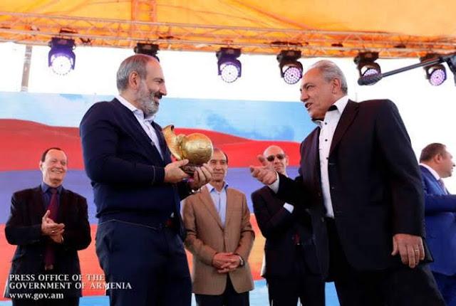"""Agarak Square pasó a llamarse """"Ararat-73"""" con motivo de su 45 aniversario."""