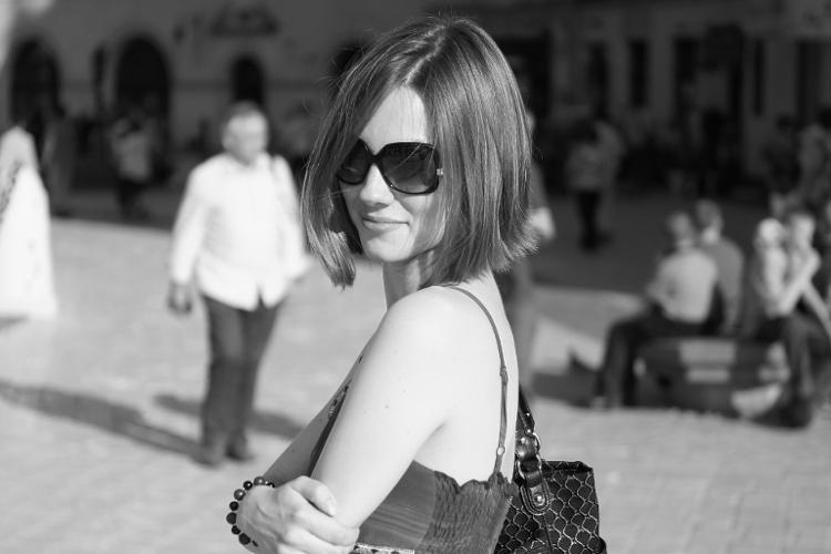 Agnieszka Sajdak-Nowicka strój casual biżuteria