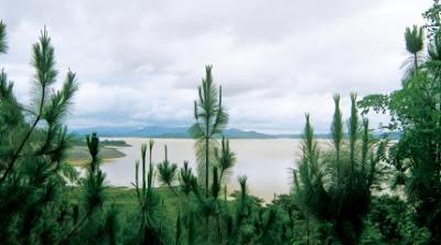 Phố núi PLEIKU và những tâm hồn nghệ sĩ. Biển Hồ xanh