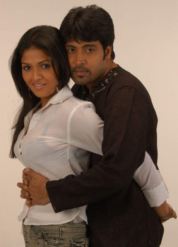 Tamil actress kissing images