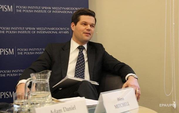 Помічник держсекретаря США відвідає Україну