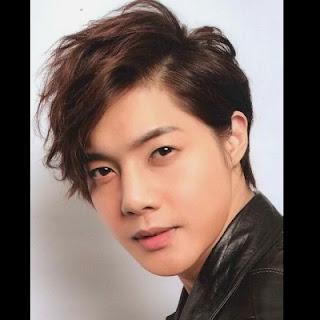 Kumpulan Model Rambut Keren Cowok Korea