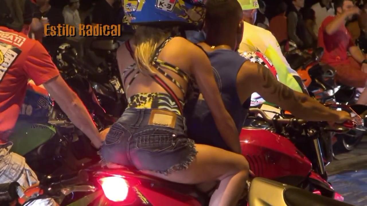 Mulheres de garupa na moto, gostosa de carona na moto, babes on bike, Women on bike,woman on the bike ride,babe on the bike ride, sexy on bike ride, sexy on motorcycle ride, sexy on bike, sexy on motorcycle, babes on bike, ragazza in moto, donna calda in moto,femme chaude sur la moto,mujer caliente en motocicleta, chica en moto, heiße Frau auf dem Motorrad