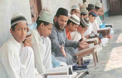 बड़ा फैसला: 15 अगस्त को यूपी में सभी मदरसों की वीडियोग्राफी कराएंगे आदित्यनाथ, मुसलमानों ने कहा- हम पर शक कर रहे CM