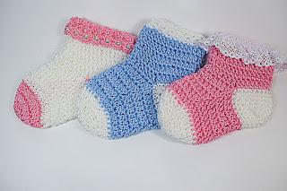 Calcetines de diferentes colores a crochet
