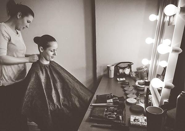 berlin based advertising and fashion photographer lars brandt stisen lighted makeup mirror. Black Bedroom Furniture Sets. Home Design Ideas