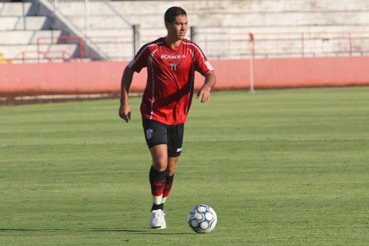 263fc522eb arcos Martins foi titular na campanha que deu o acesso à Série B ao  Botafogo-SP nesta temporada