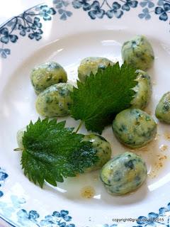 https://salzkorn.blogspot.fr/2015/04/brennnessel-gnocchi-nach-douce-steiner.html