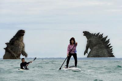 6 Meme Kocak 'Bu Susi Naik Kano' Ini Berhasil Bikin Monster Laut Kezel