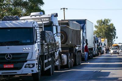 Caminhões parado