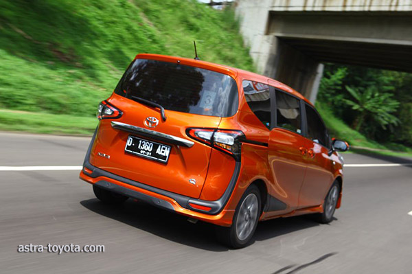 Test Drive Toyota All New Sienta