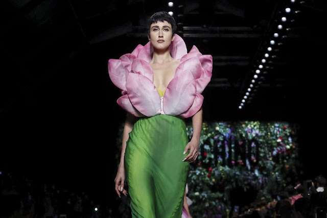 Moschino Ready-to-wear Spring Summer 2018 Milan Fashion Week