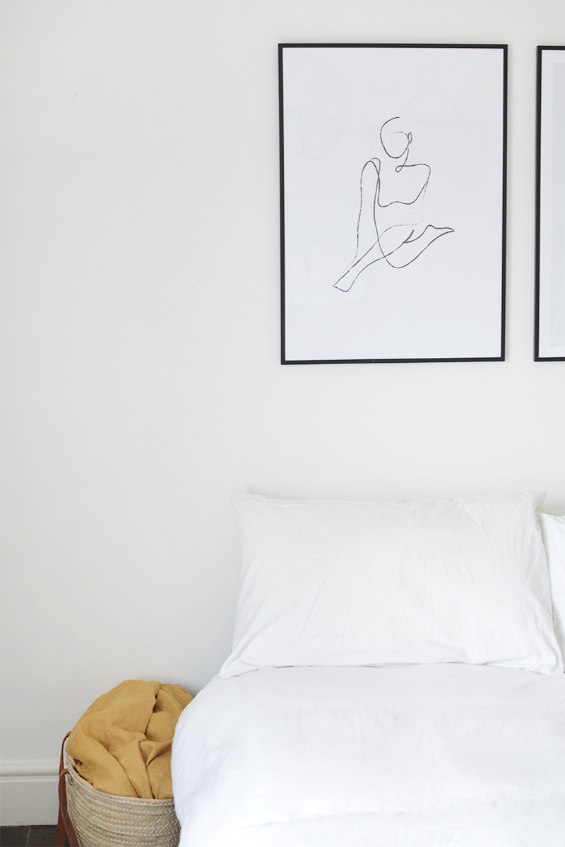 minimal bedroom styling