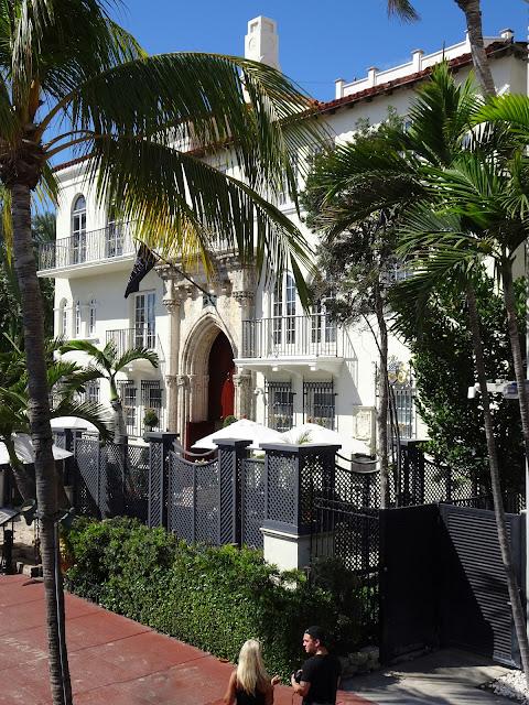 Casa del diseñador  Gianni Versace en la calle Ocean Drive