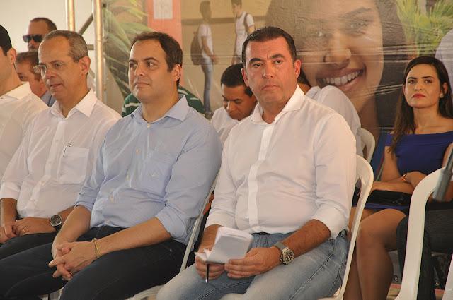 Paulo Câmara inaugura comitê da Frente Popular na cidade de Palmares nesta quarta