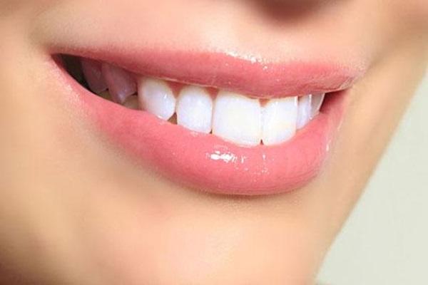 Clarear o Dentes com Casca de Laranja
