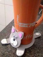 http://manualidadesparaninos.biz/posavasos-gato-gomaeva/