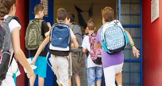 Το δράμα δύο αδερφών: Περπατούν 7 χλμ κάθε μέρα για να πάνε στο σχολείο