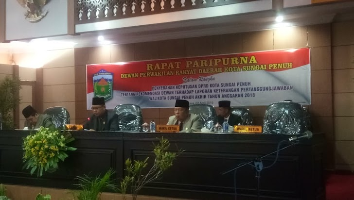 DPRD Sungai Penuh Serahkan Rekomendasi LKPJ 2018
