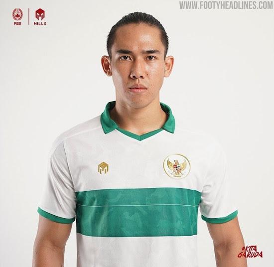 https://3.bp.blogspot.com/-41ULy7wF-iQ/Xx6_FIlBoEI/AAAAAAAAUHs/g0-YJeHwg04AdYlQmtMlxTGYV6KF7B7QgCLcBGAsYHQ/s550/mills-sport-indonesia-2020-away-kit-5.jpg