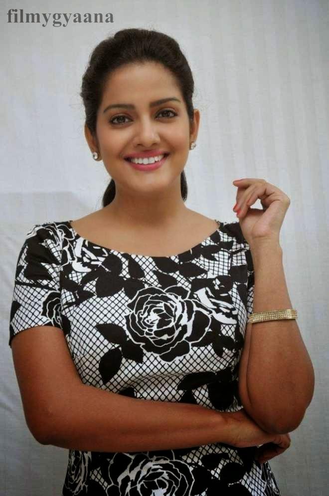 vishakha singh cute photos
