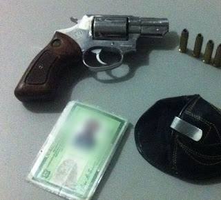 Em Sousa, casal sai para jantar em restaurante e é preso por portar arma de fogo