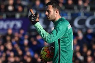 Fali Ramadani Dianggap Bisa Bawa Handanovic ke Man City