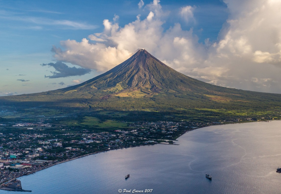 Volcano Uptick! Mayon Volcano in Albay - Anak Krakatau - Mount Etna  Screenshot%2B2018-12-28%2Bat%2B13.37.13