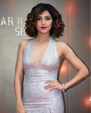 Neeti Mohan Wiki Age Husband Family Caste Biography