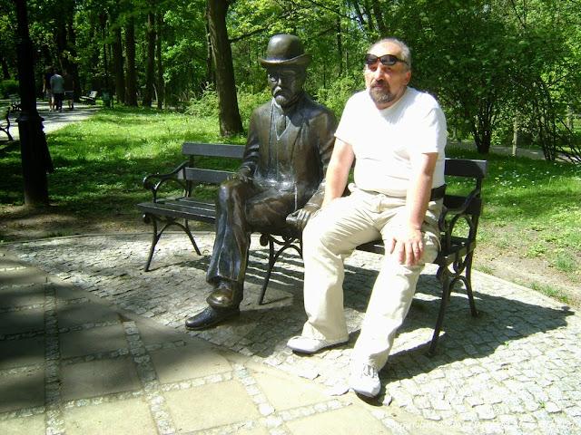 Osobiście często zatrzymuję się w Parku Zdrojowym na ławeczce Bolesława Prusa. Fot Dariusz Marek Gierej