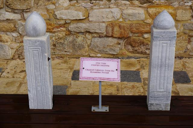 עמודי שיש מהתקופה הביזנטית