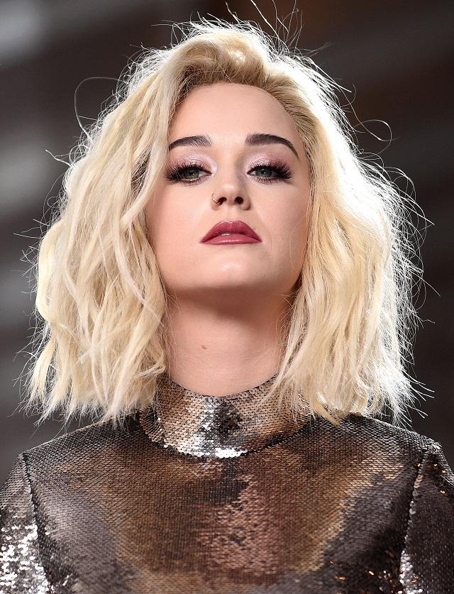 Katy Perry - Grammys 2017 Red Carpet Fashion