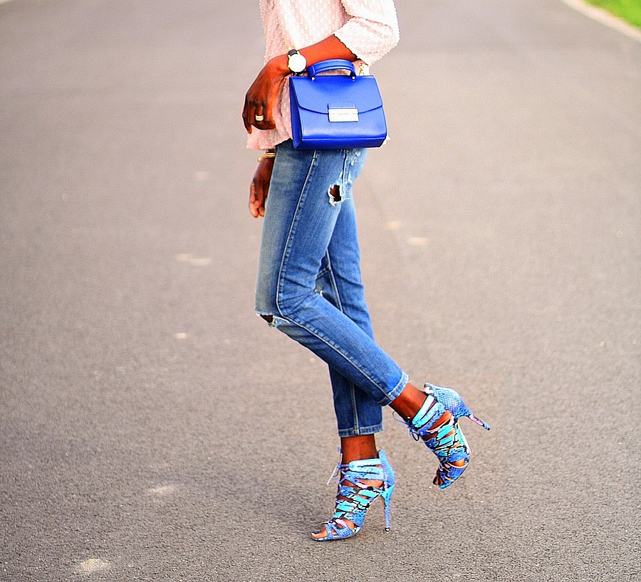 sandales-cages-lacets-bleu-turquoise