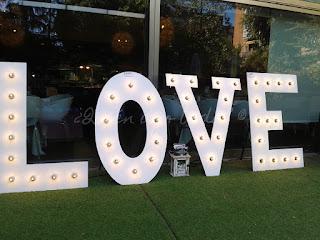 Letras gigantes con LOVE