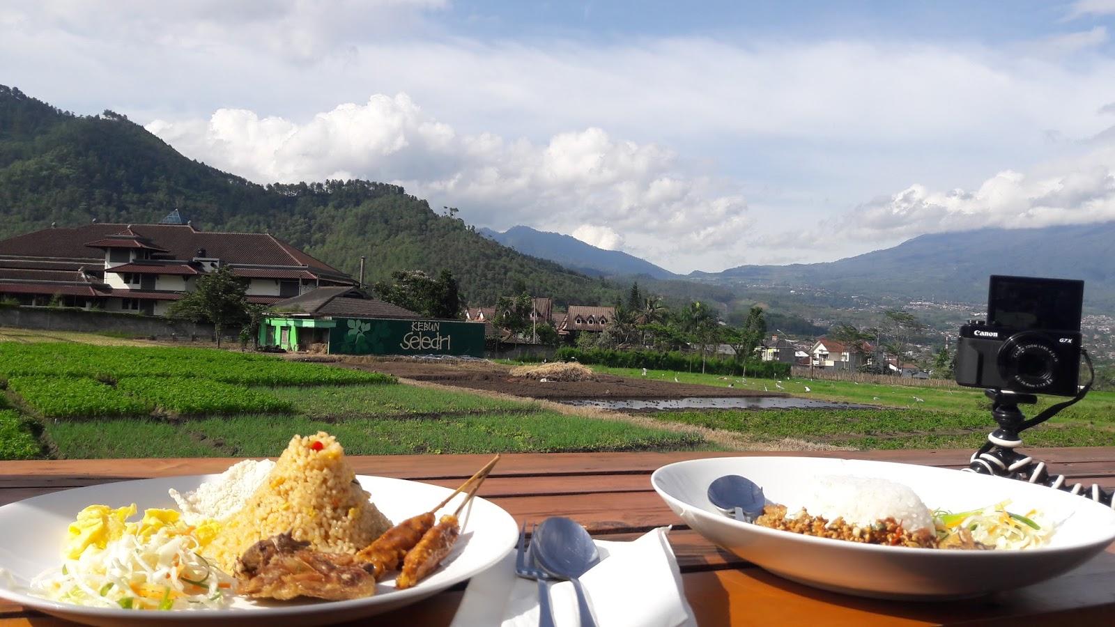 Cafe Pupuk Bawang Kota Batu View Alami Pegunungan Blog