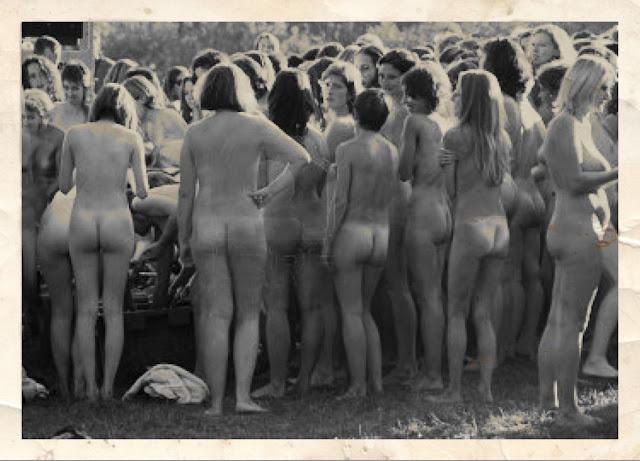 Расстрел голых девушек видео